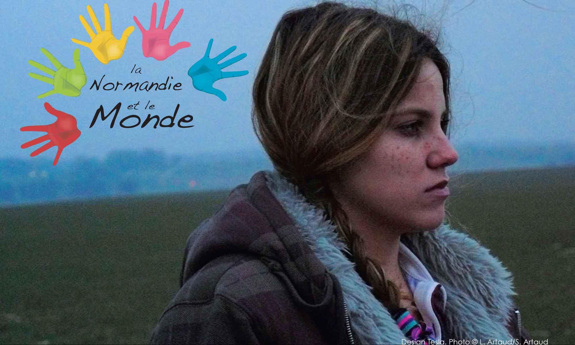 Affiche du festival La Normandie et le Monde, édition 2012 (affiche créée par Elizabeth Tesla, photo L. Artaud S. Artaud